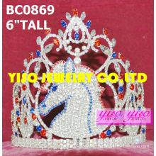 Grandes coronas y tiaras de diamantes de imitación de caballo