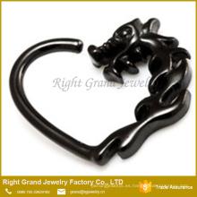 Anillo de corazón negro Daith plateado titanio del anillo 16g Cartúlago de Tragus