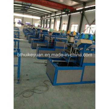 Machine de formage de rouleaux de moulage en métal automatique de nouvelle conception   Machine de fabrication de quille de cadre en métal