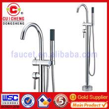 Напольный тип смеситель для ванны / душа для наружного или ванной комнаты109068