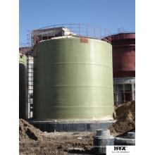 Réservoir granulé en fibre de verre renforcé sur site
