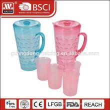chaleira de água plástico 1,8 L com 4 copos