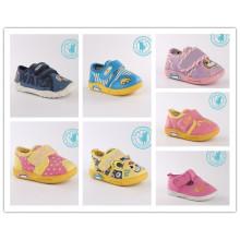 Zapatos de bebé Zapatos suaves de inyección (SNC-002021)