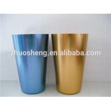 taza de cerámica con encanto con mosquetón