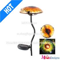 Lumière solaire de champignon de jardin