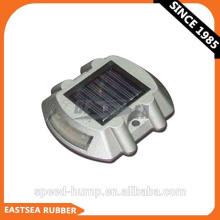 Mejor precio blanco o amarillo solar LED ojo de gato reflexivo carretera Stud