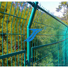 Dreieckiger Biegezaun / Dirickk-Achse / geschweißter kurviger Zaun