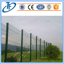 Durable blue welded wire mesh for yard