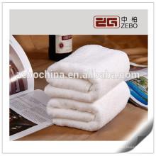 Haute qualité en gros 100% coton serviette d'hôtel 5 étoiles / serviette de bain blanche