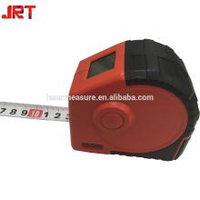 Mesure de hauteur en gros ruban à mesurer avec laser