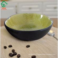 Simple saladier antique en porcelaine à la citron vert