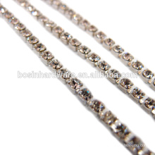 Art- und Weisequalitäts-Metallrhinestone-Kettenbanding