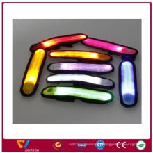 Bracelete reflexivo conduzido colorido por atacado da batida para o esporte da segurança