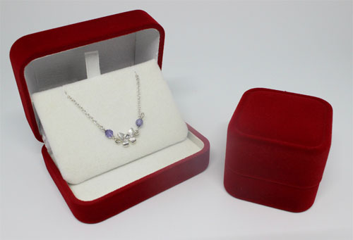 Velvet necklace box