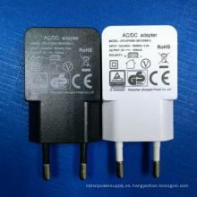 Adaptador de corriente USB universal blanco / negro del color 5V 500mA enchufe de la UE