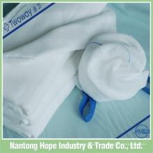 toalha cirúrgica de laço azul e esponja de colo de gaze