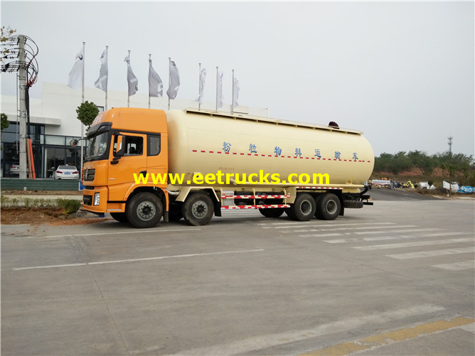 Shacman 9000 Gallons Pneumatic Dry Tank Trucks