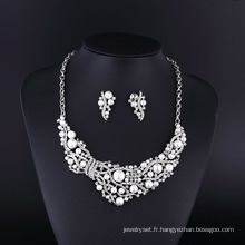 2015 CZ strass Big Pearl alliage de zinc collier ensemble