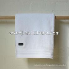 100% Baumwolle Velour Streifen Hotel weiße Badetücher mit Stickerei