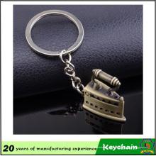 Porte-clés souvenir en alliage de zinc avec fer à repasser électrique