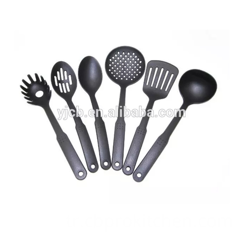 Nylon Utensils Set
