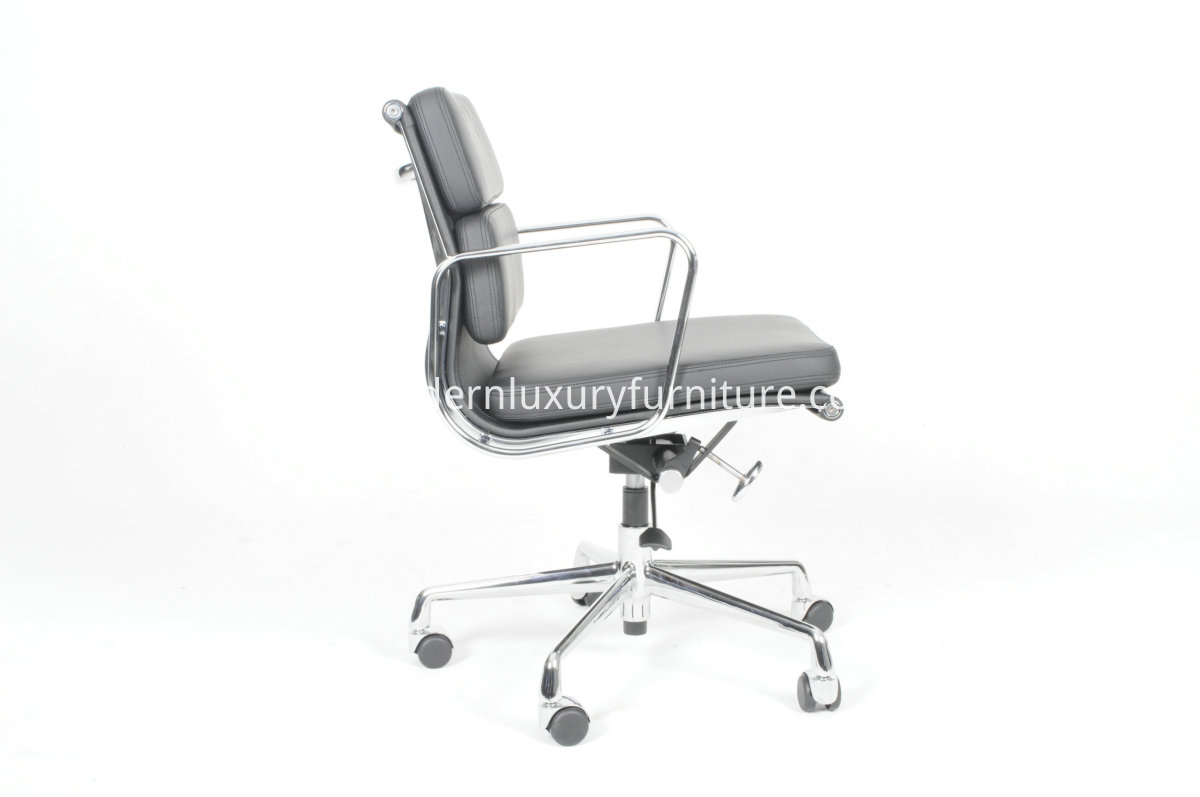 Soft Pad Management Chair