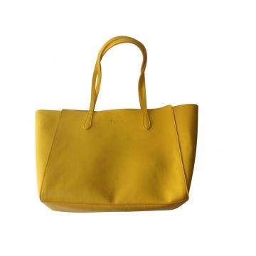 Practical casual lady handbag