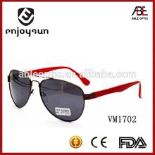 Lady style Italy design ce metal lunettes de soleil avec temple rouge