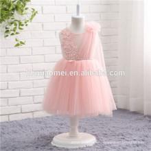 Grupo de edad de los niños y estilo casual niña de color rosa princesa vestidos de flores