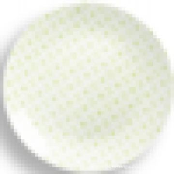 Круглая фарфоровая тарелка простая конструкция