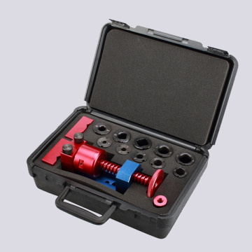 The installation tool for socket installed to hose end