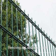 Alta seguridad doble valla de alambre en la cárcel