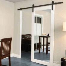 Puerta de granero deslizante interior con espejo