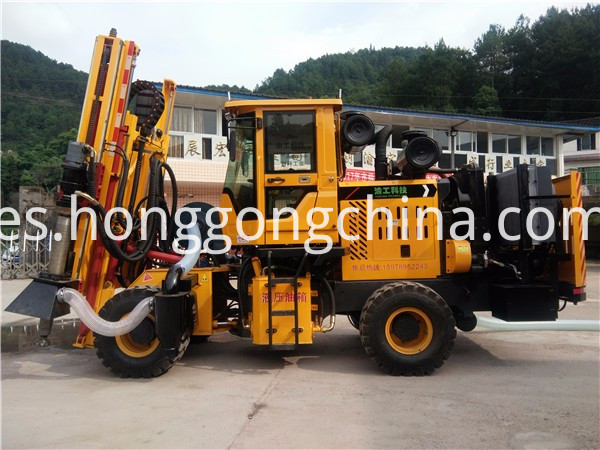 Hydraulic Pile Driver for Road Construction