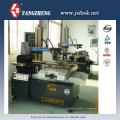 Machine de coupe de fil CNC DK7732C à petite taille / angle