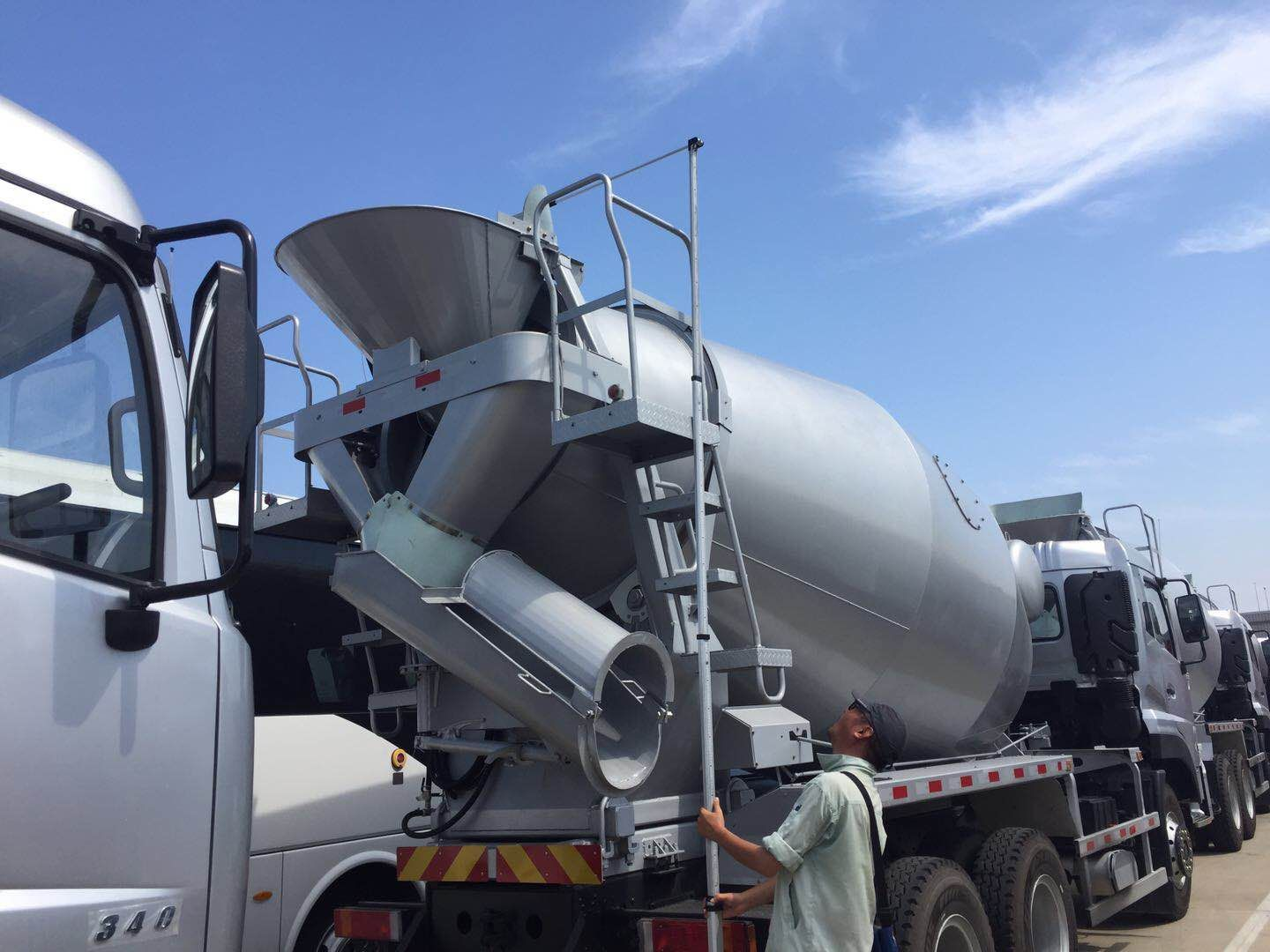 dongfeng concrete mixer truck