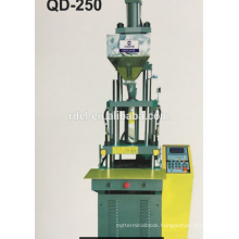 Vertical injection molding machine plastic plug making machine
