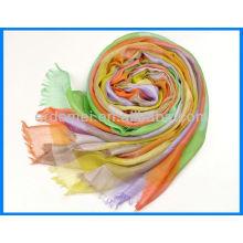 Яркий окрашенный длинный платок mosi в продаже