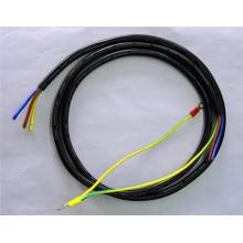 Los accesorios automotrices exhiben el cable de transmisión del conector del anillo del arnés de cableado