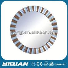 Espejo redondo sintético tradicional del baño de Frameless