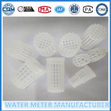 Plastikwassersieb Verwendung zur Vermeidung von Schmutzmaterial