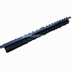 Auto windscreen wiper plastic injection molding