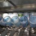 Máquina de enchimento automática para garrafas de água mineral puro