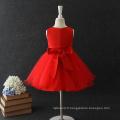 les filles s'habillent des robes de fleur d'été pour la fille de bébé