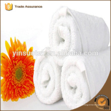 Toalla de algodón de toalla blanca de bajo grado para el hotel
