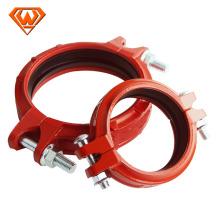 калиброванные штуцера трубы гибкое соединение с красным цветом