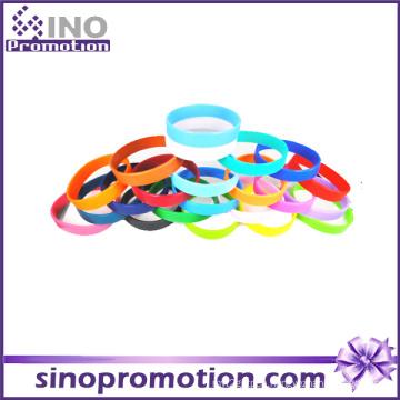 Wholesale Custom Personalized Thin Silicone Fashion Rubber Bracelet