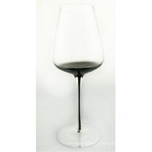 Verre à vin transparent avec gris fumé