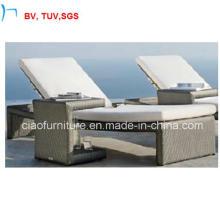 Chaise longue de Sun de meubles de patio de rotin avec le coussin (CF993L)