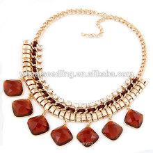 El collar de rubíes del collar de la manera de la cadena del oro colorea diseño del collar